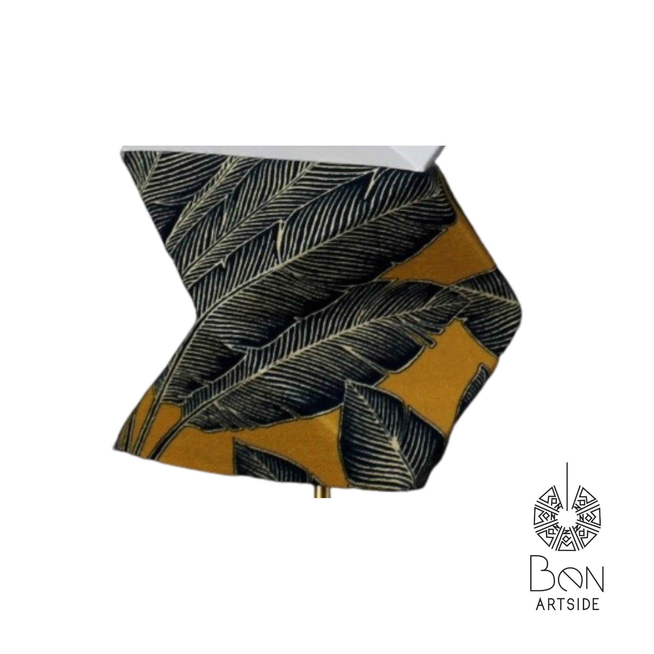 T Tissu noir motif feuille Jaune moutarde
