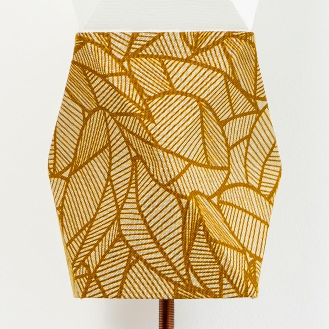 F Tissu feuille brune